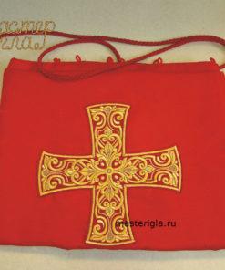 Завеса с большим крестом на царские или диаконские врата.
