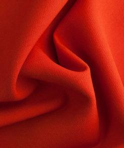 Качественная красная итальянская шерсть для облачений.